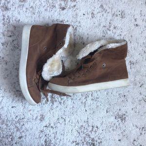 Sherpa Tennis Shoe